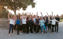 Guests at the end of their detox week, Sept group big uai 258x159